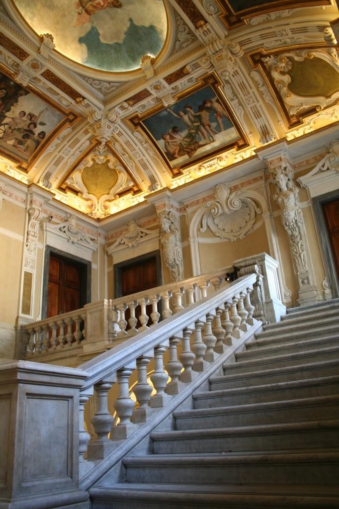Stucchi soffitto genova idee creative su interni e mobili - Restauro mobili genova ...